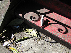Seattle - Red Step Scroll