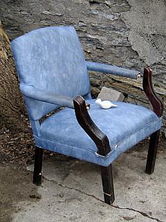 Minneapolis - Blue Chair