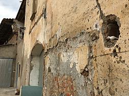 Olot, Spain_wallhole