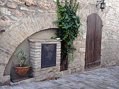 Italy, Assisi - Arch Alley