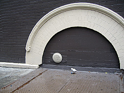 New York - Sidewalk Arch
